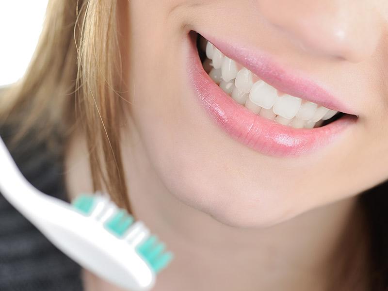 宜蘭植牙新聞│口腔健康-旅行不忘潔牙 別讓牙周病壞了遊興